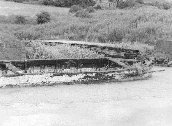 Day boat, Cobb's basin pre 1991 (Steve King)