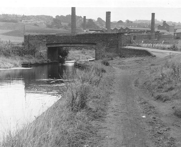 Bullfield Bridge 1960s (Steve King) & 2021 (Heather Wastie)