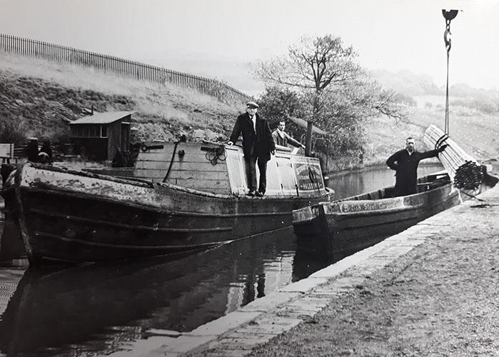 Len Green, foreman over boats (Roger Tommey)